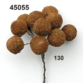 Cinnamon-ball on wire